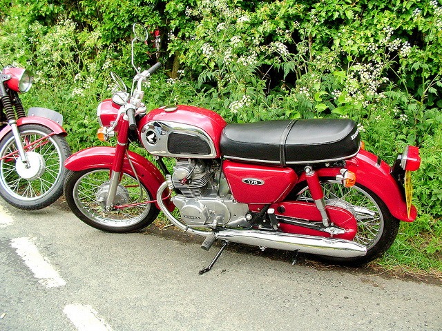 Honda cd175 photo - 3