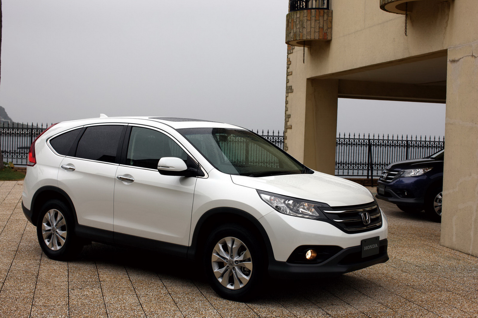 Honda cr-v photo - 3
