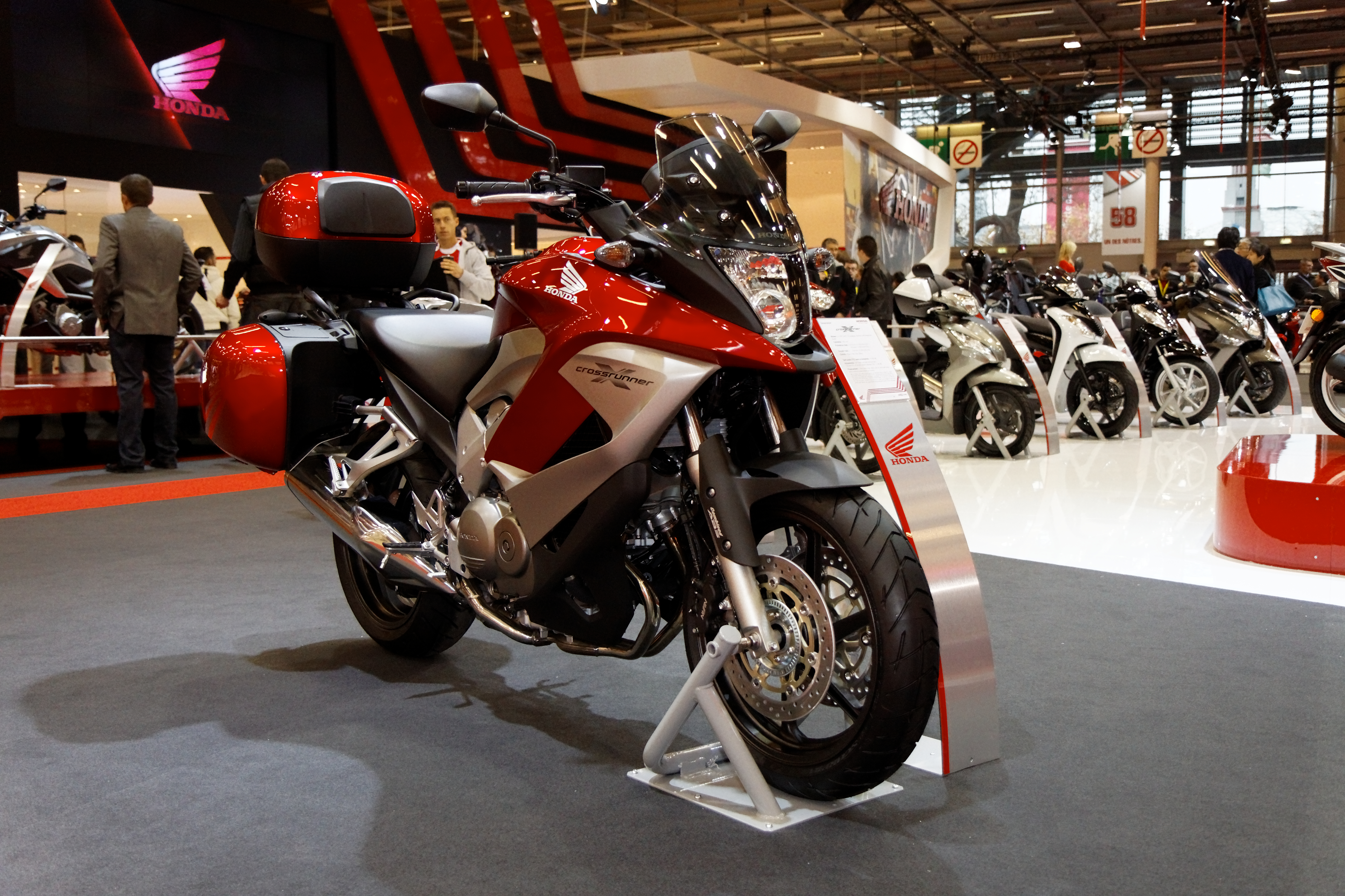 Honda crossrunner photo - 1