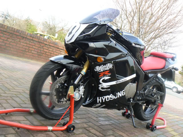 Hyosung gt125r photo - 3