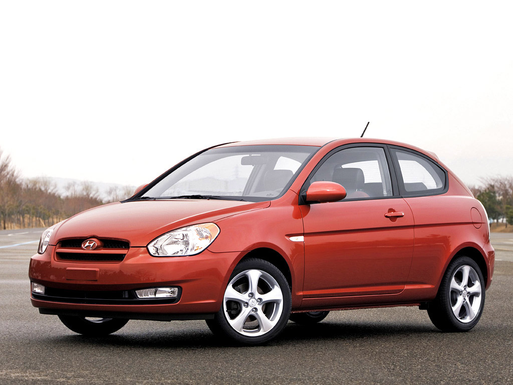 Hyundai accent photo - 4