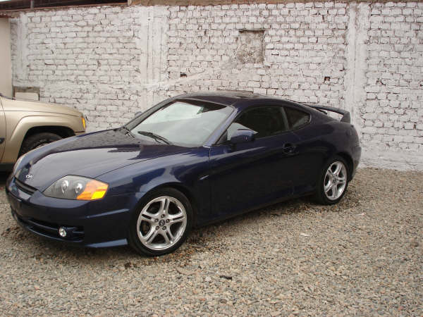 Hyundai tiburon photo - 1