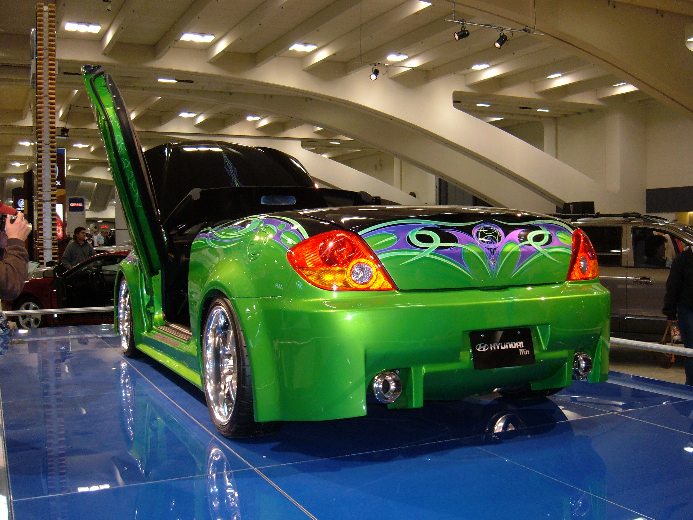 Hyundai tiburon photo - 2