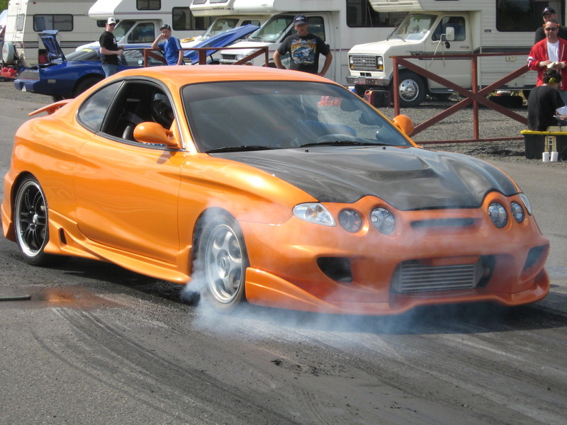 Hyundai tiburon photo - 3