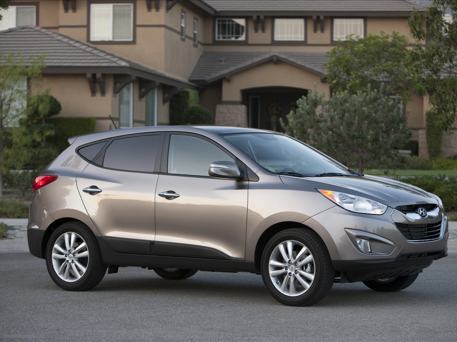 Hyundai tucson photo - 4