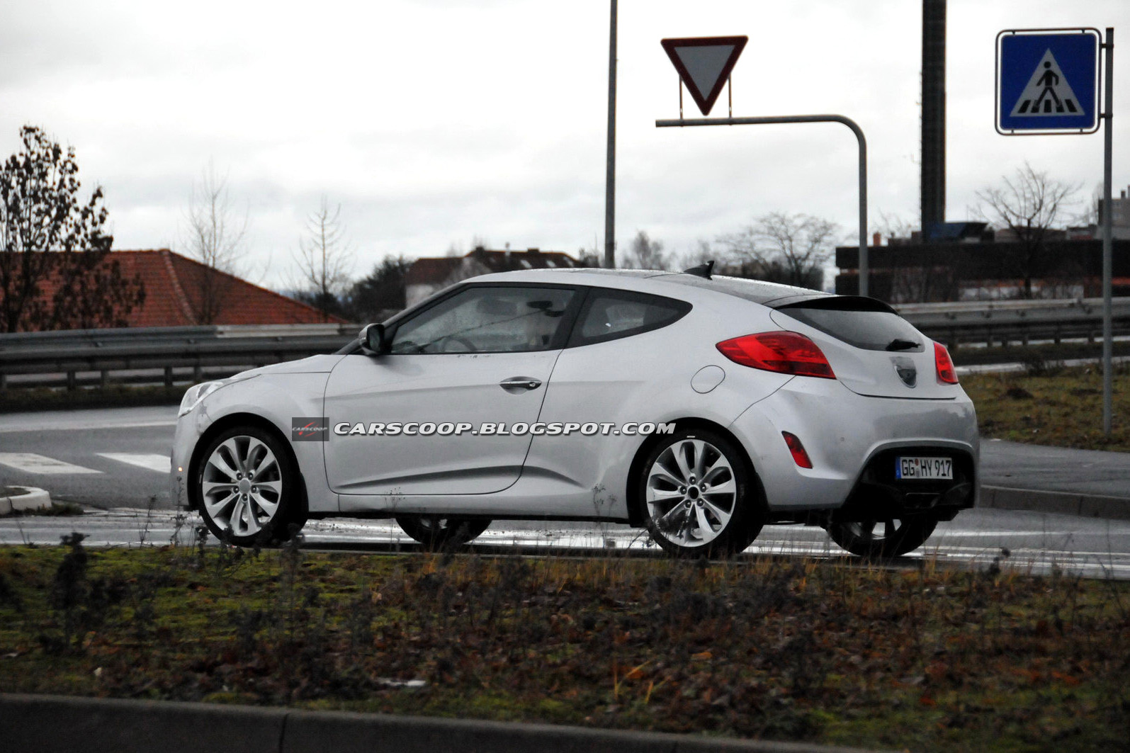 Hyundai veloster photo - 3