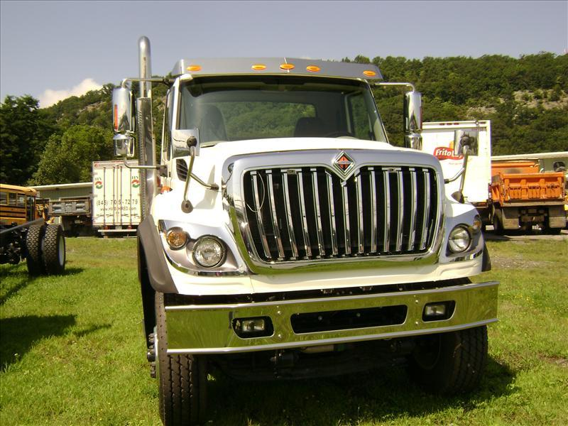 International 7700 photo - 1