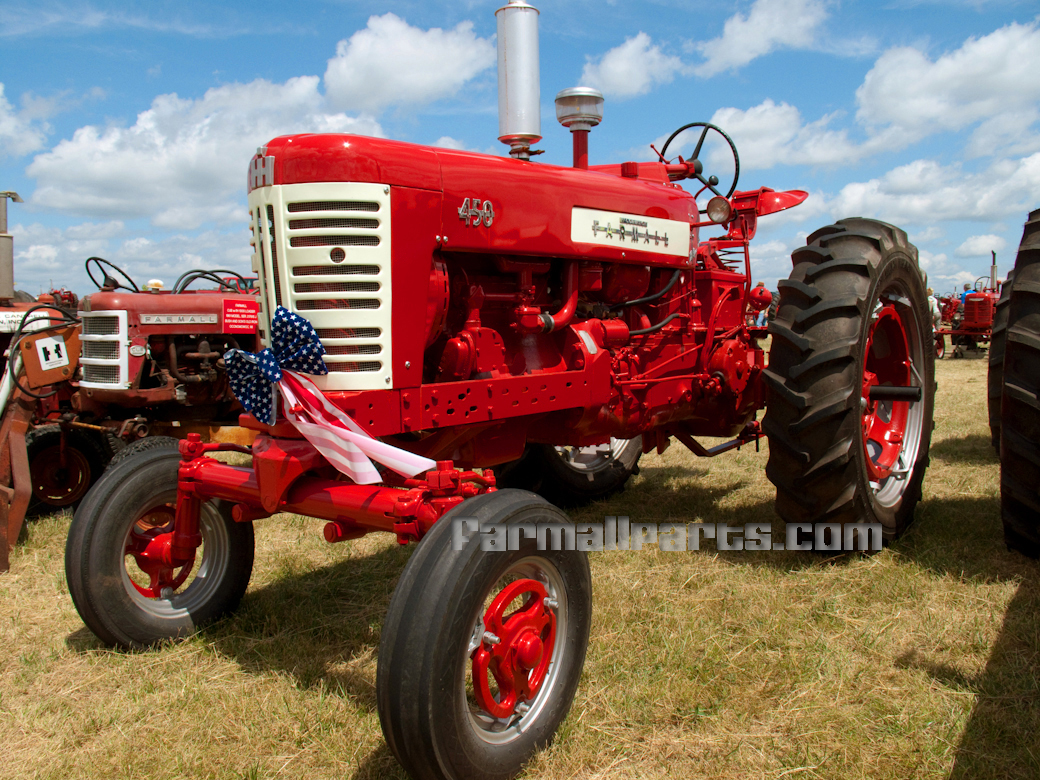 International harvester farmall photo - 2