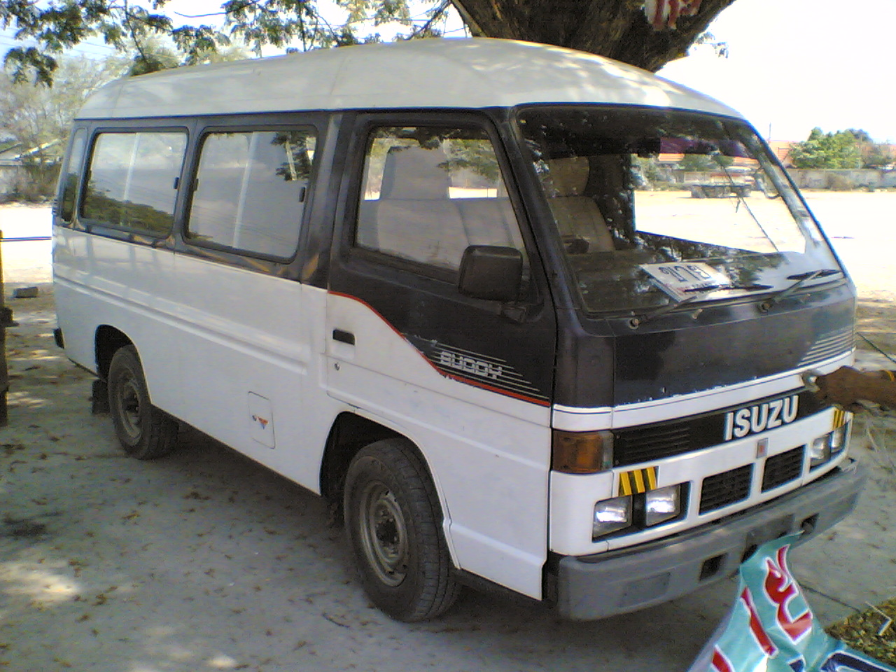 Isuzu buddy photo - 3
