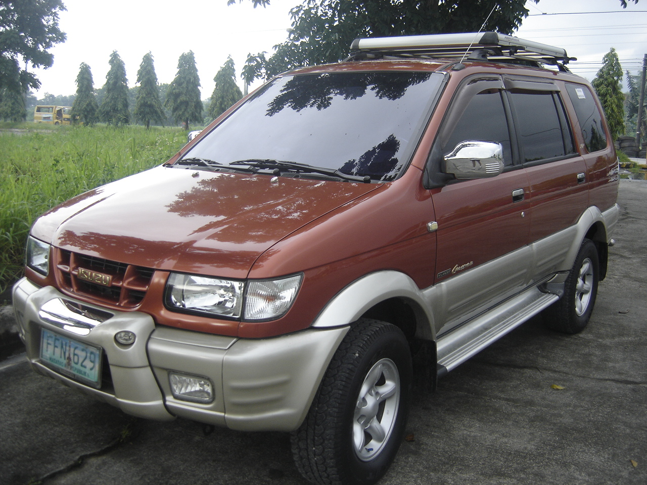 Isuzu crosswind photo - 1