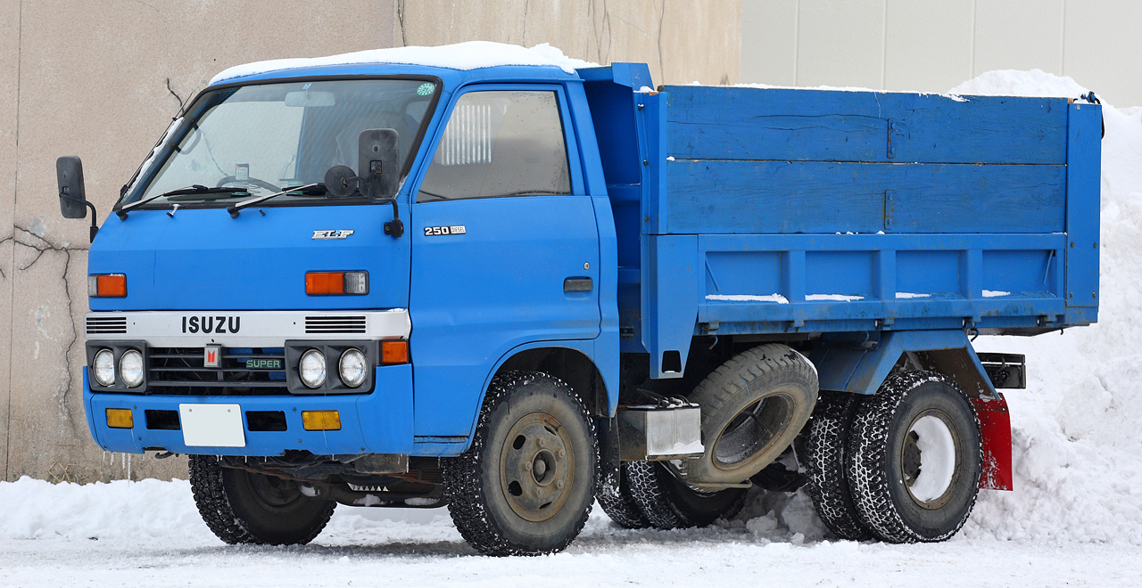 Isuzu elf photo - 1
