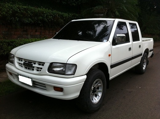 Isuzu fuego photo - 1