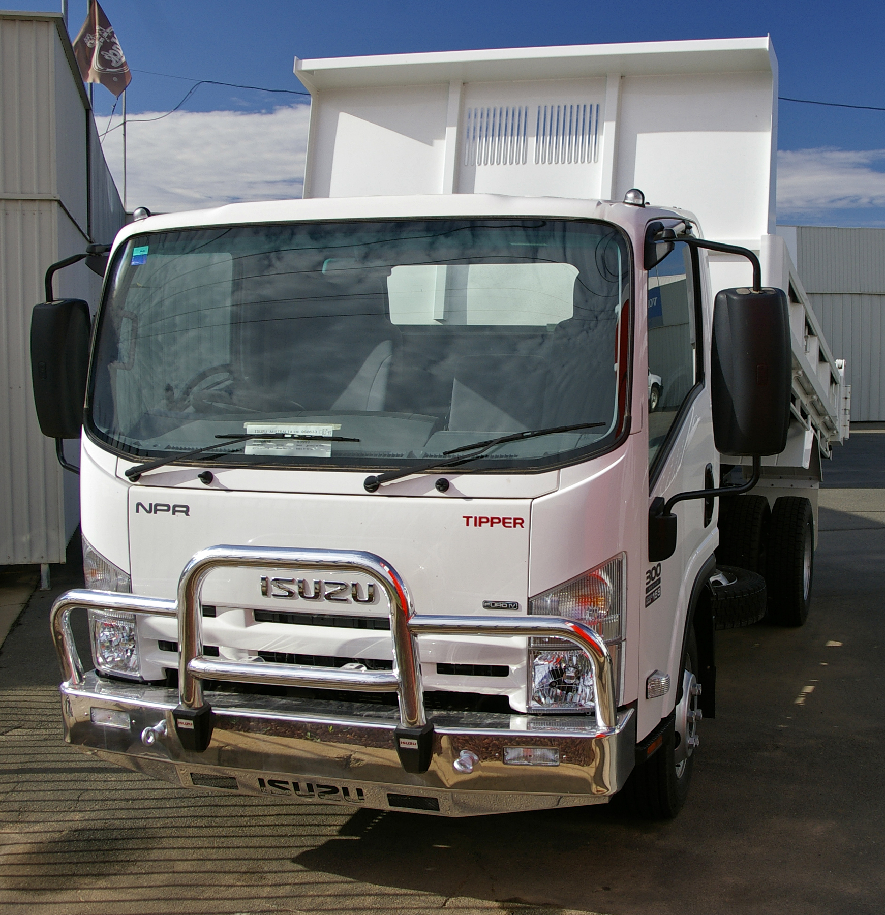Isuzu npr photo - 1