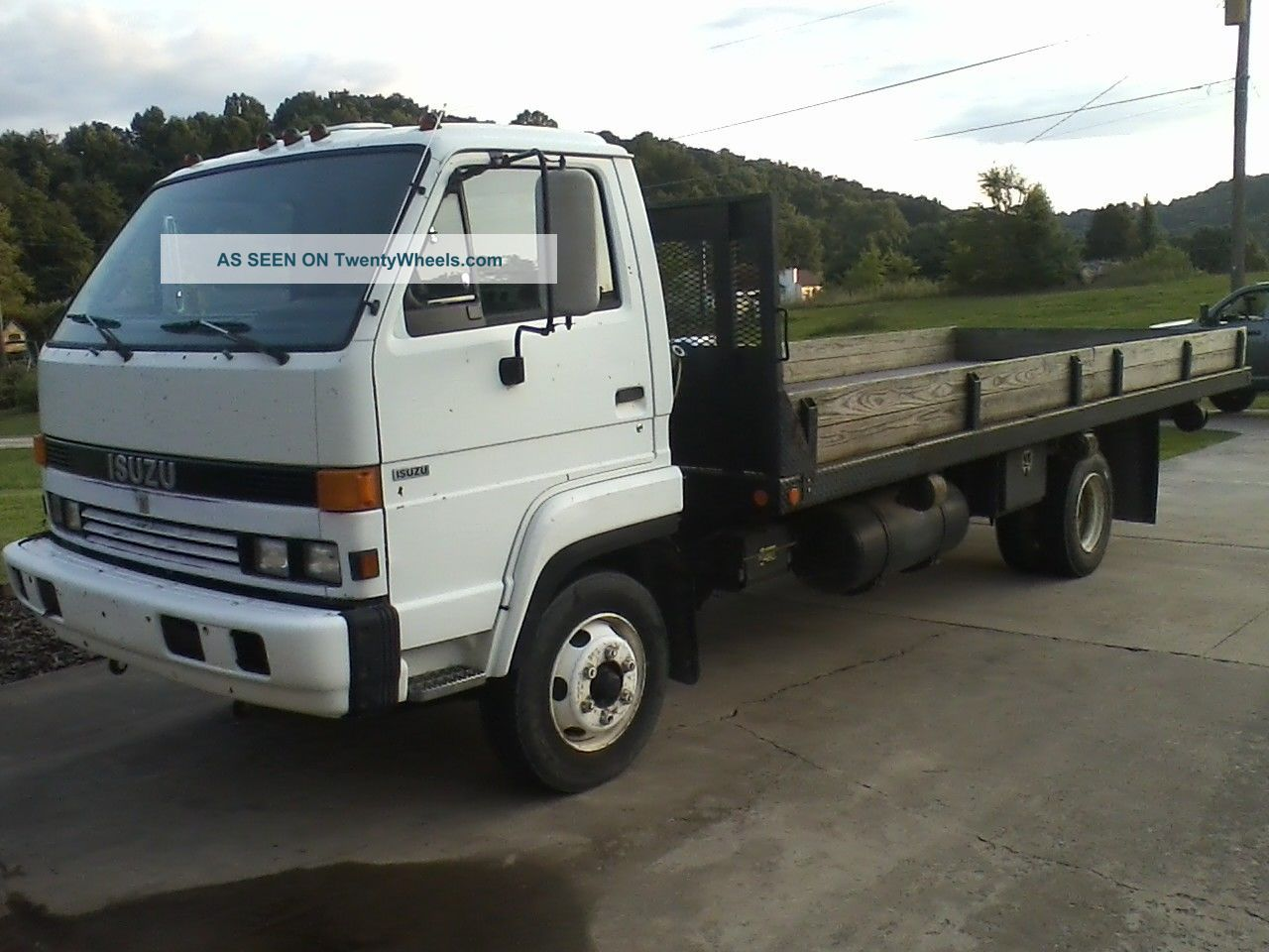 Isuzu nrr photo - 2
