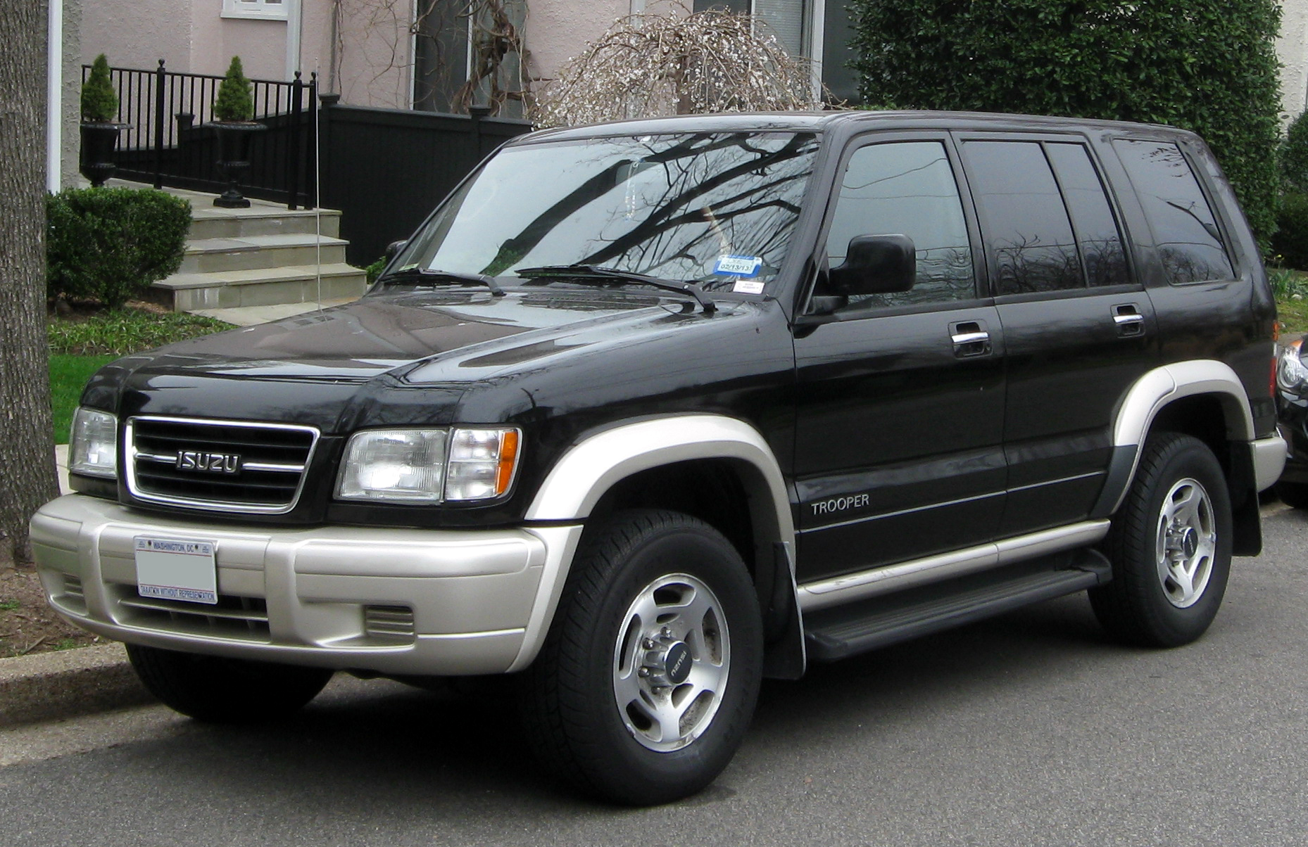 Isuzu trooper photo - 1