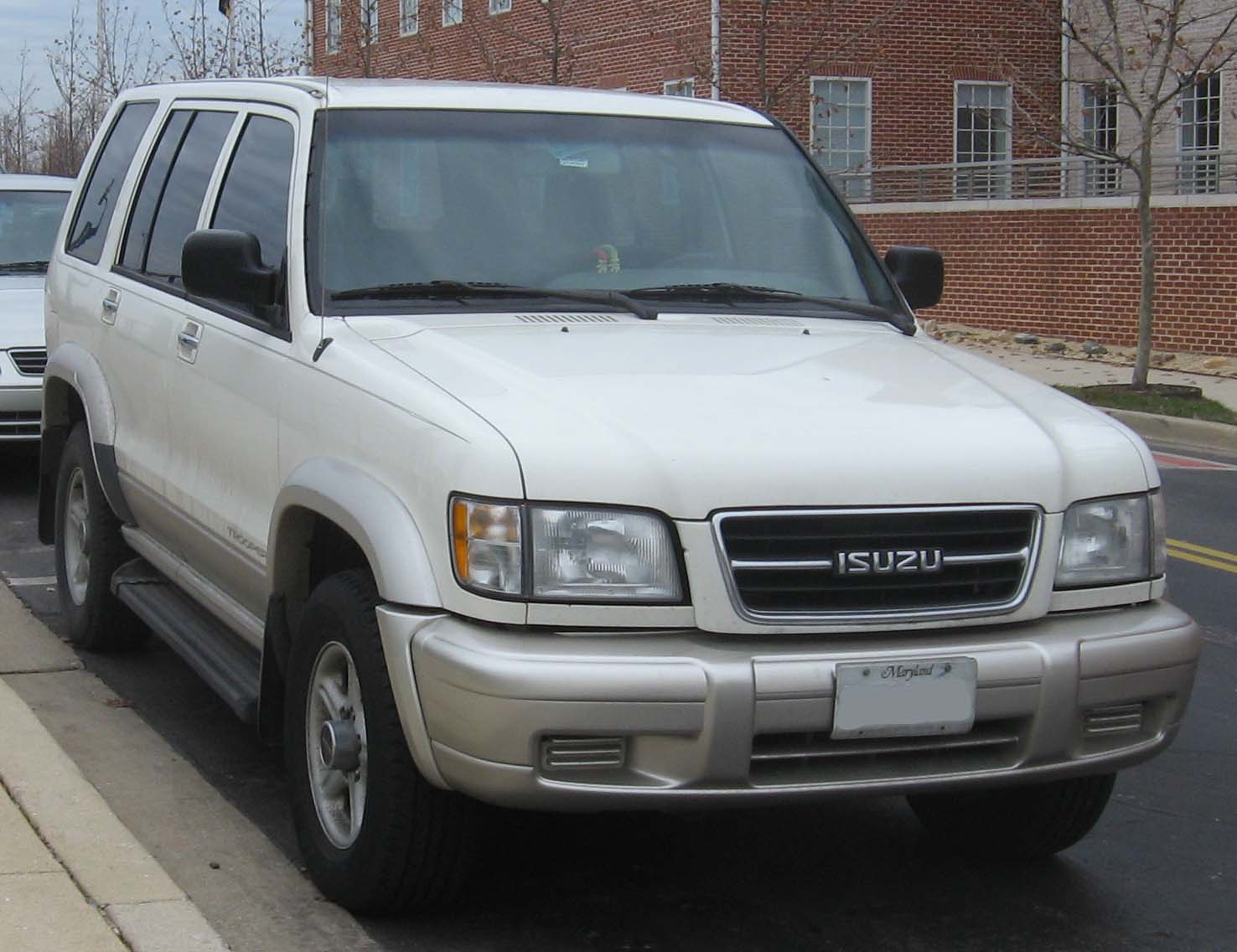 Isuzu trooper photo - 3