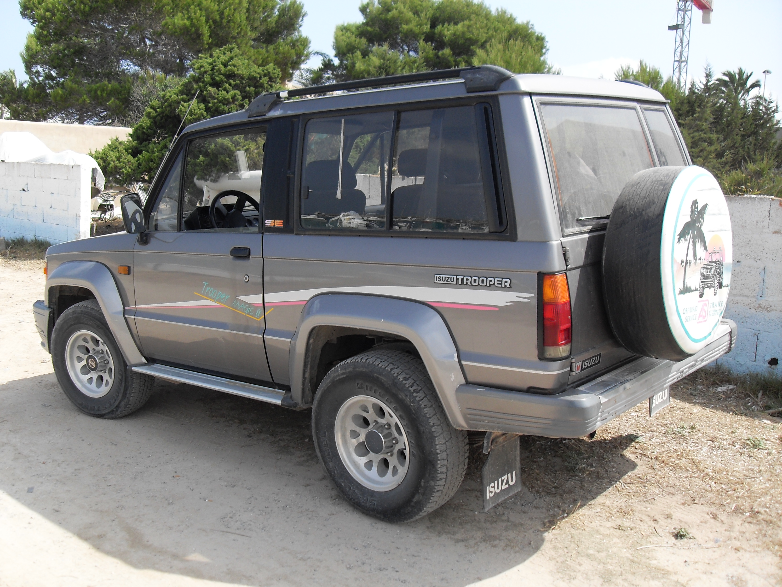 Isuzu trooper photo - 4
