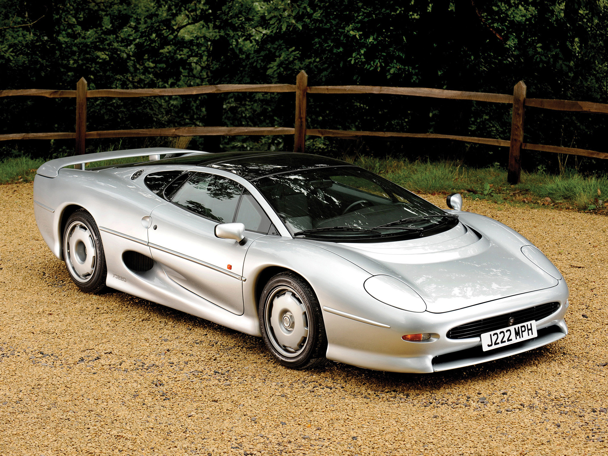 Jaguar xj220 photo - 3
