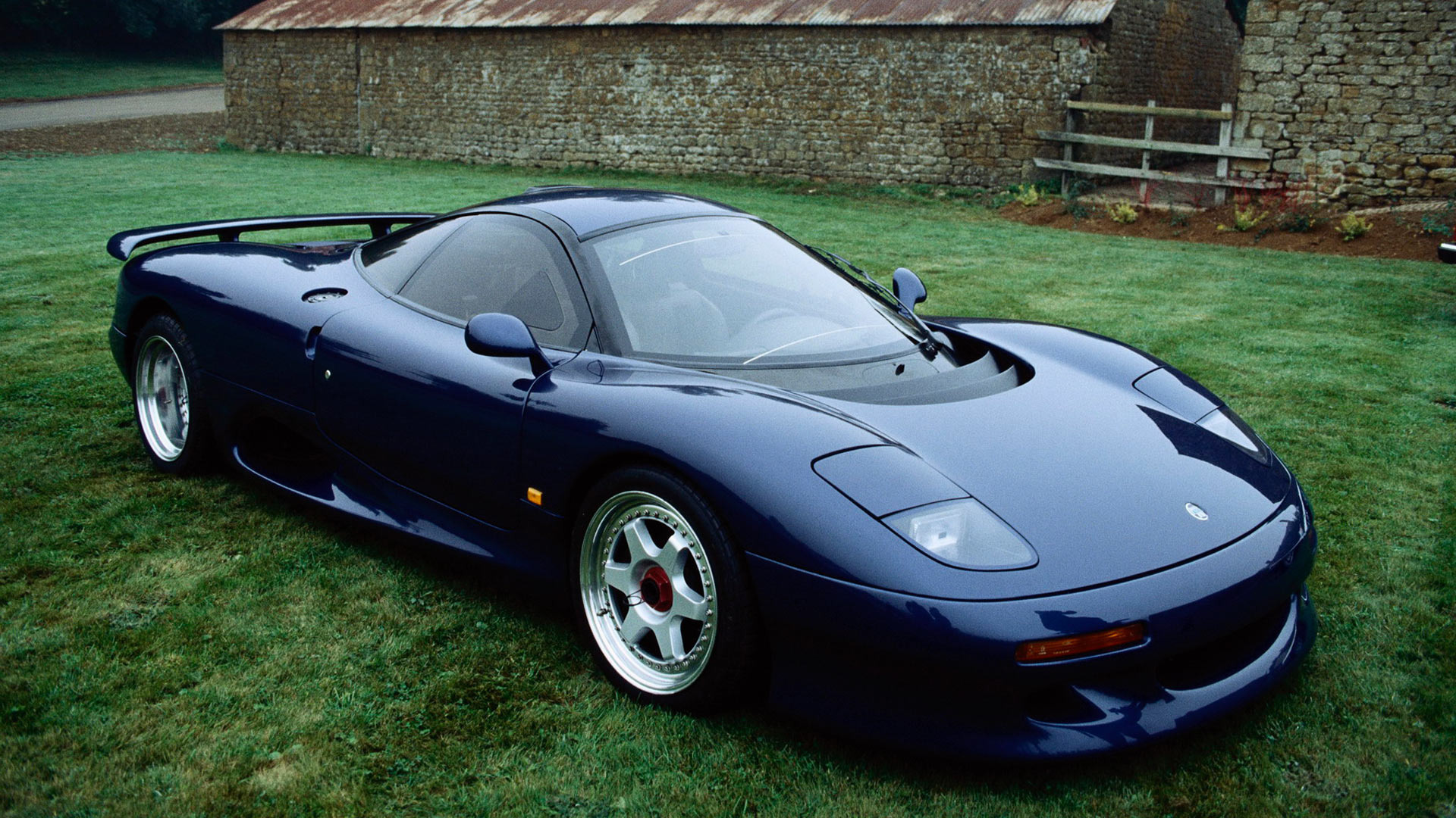 Jaguar xjr15 photo - 1