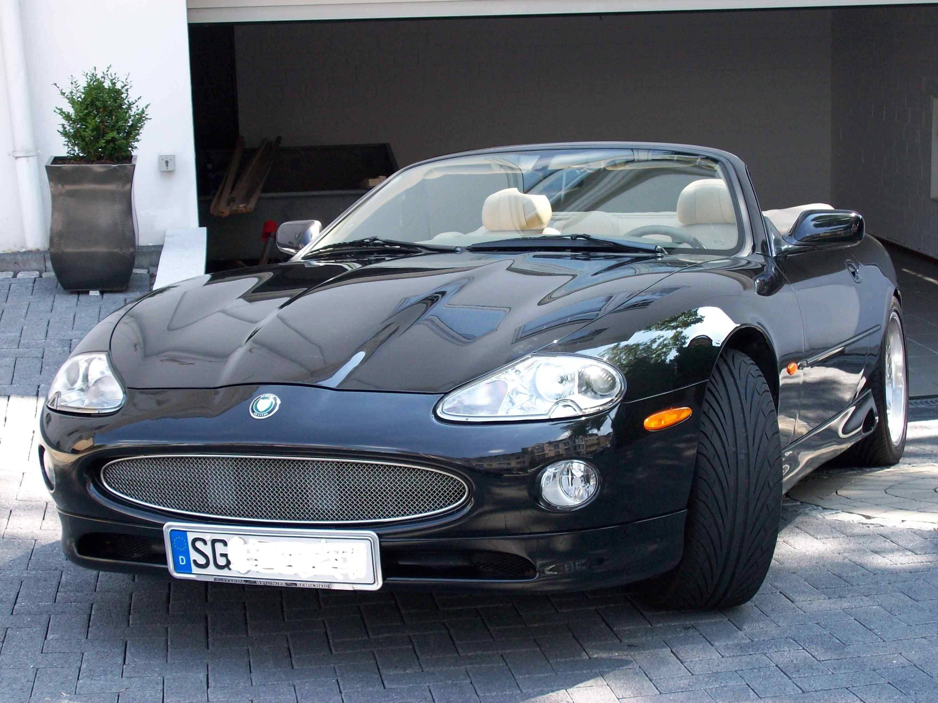 Jaguar xk8 photo - 4