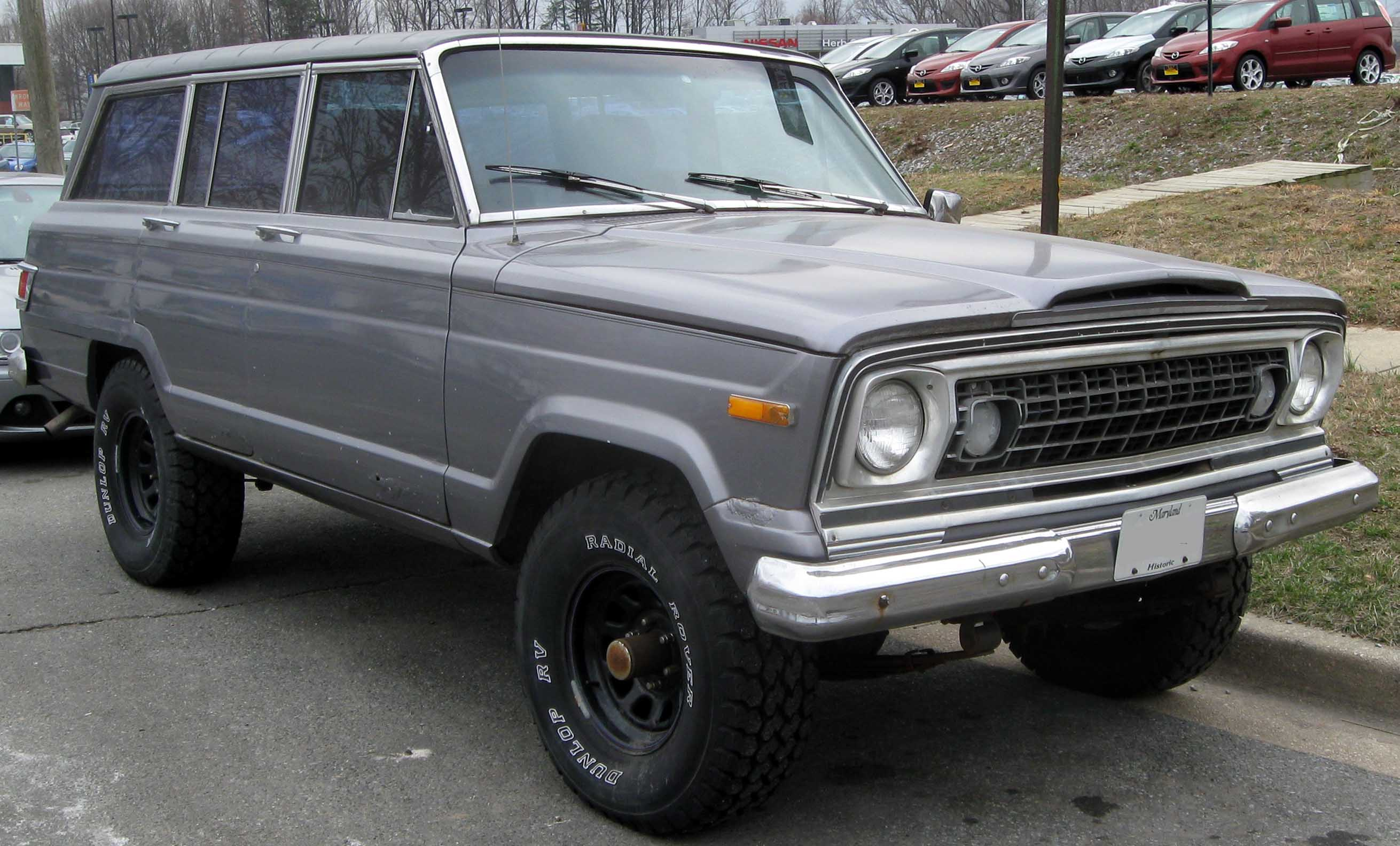 Jeep wagoneer photo - 2