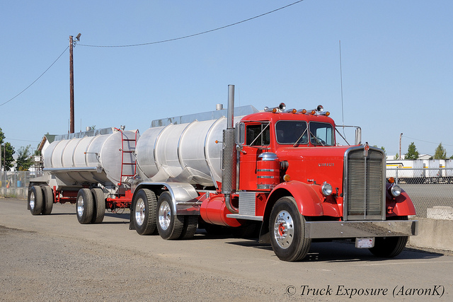 Kenworth 524 photo - 2