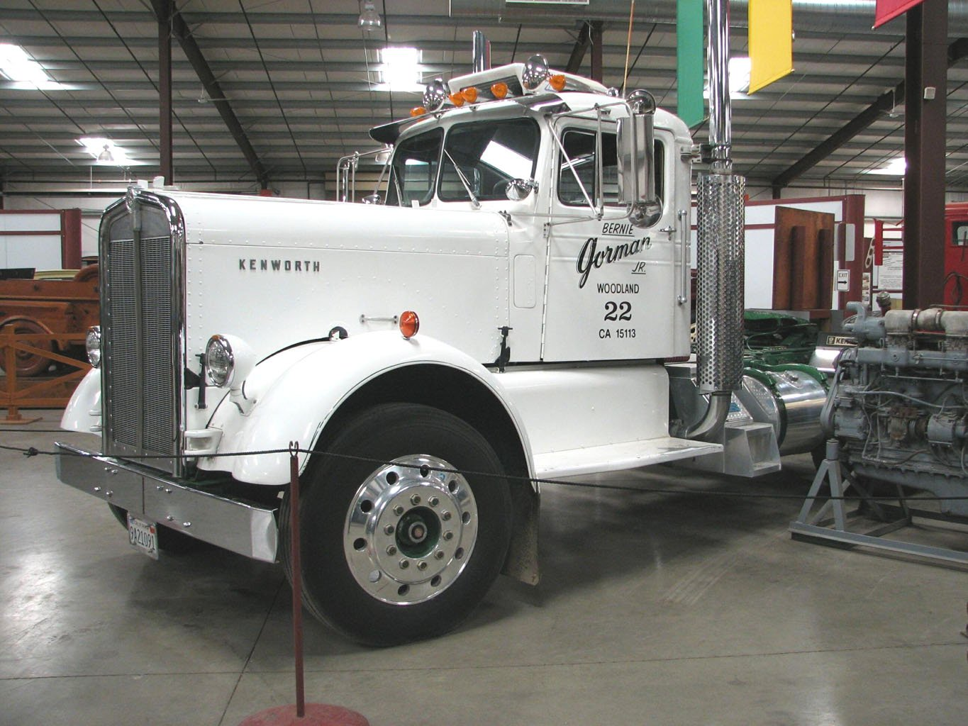 Kenworth 524 photo - 3