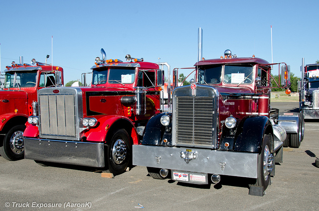 Kenworth 923 photo - 3