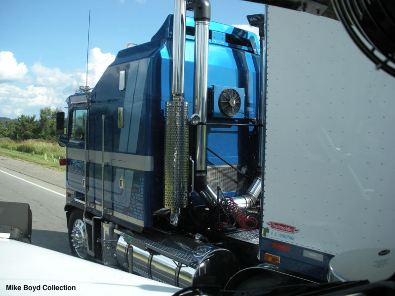 Kenworth aerodyne photo - 2