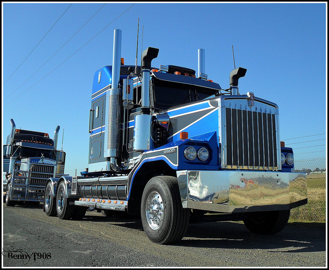 Kenworth c500 photo - 2