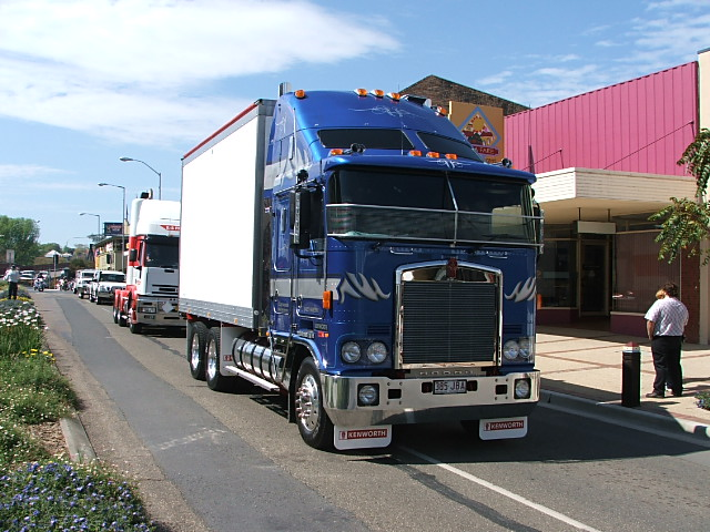 Kenworth t800sh photo - 1