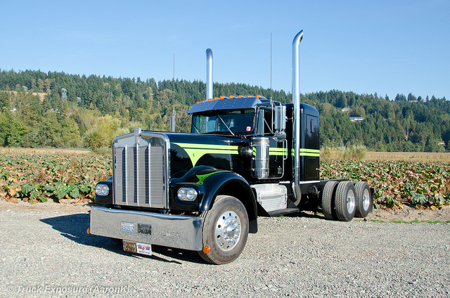 Kenworth w925 photo - 3