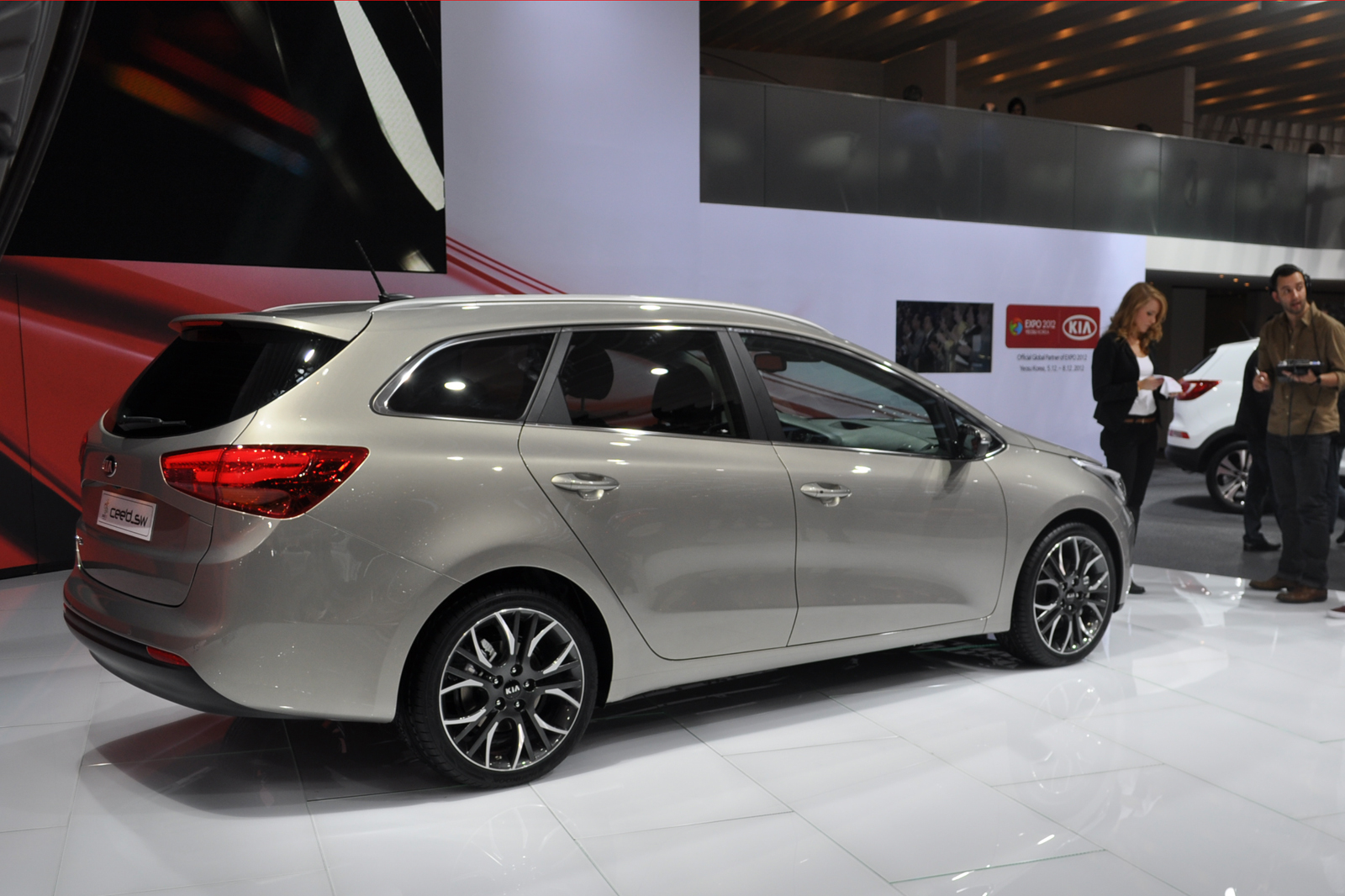 Kia cee`d photo - 1