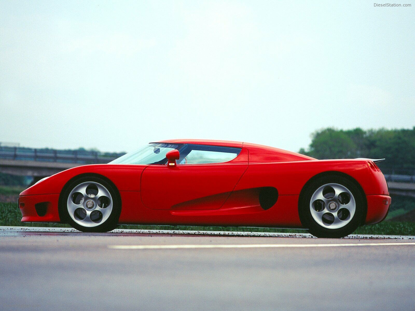 Koenigsegg cc photo - 3