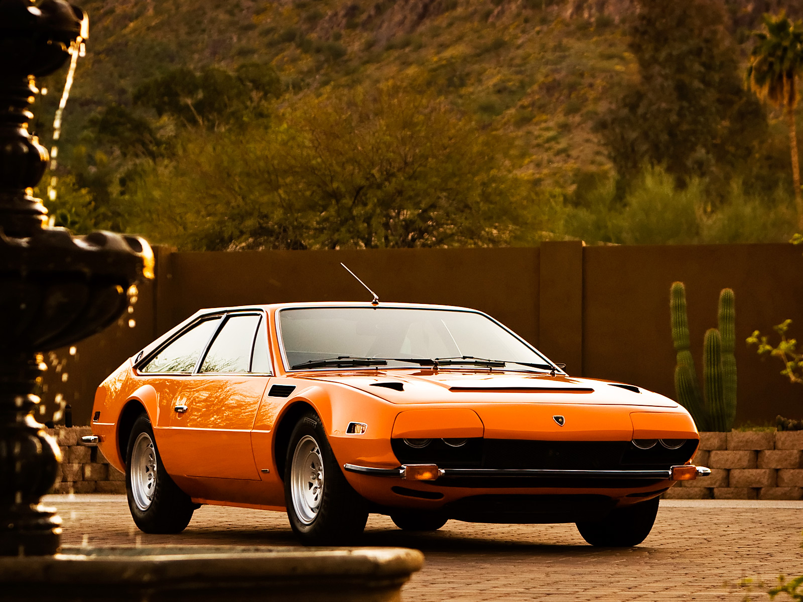 Lamborghini jarama photo - 3