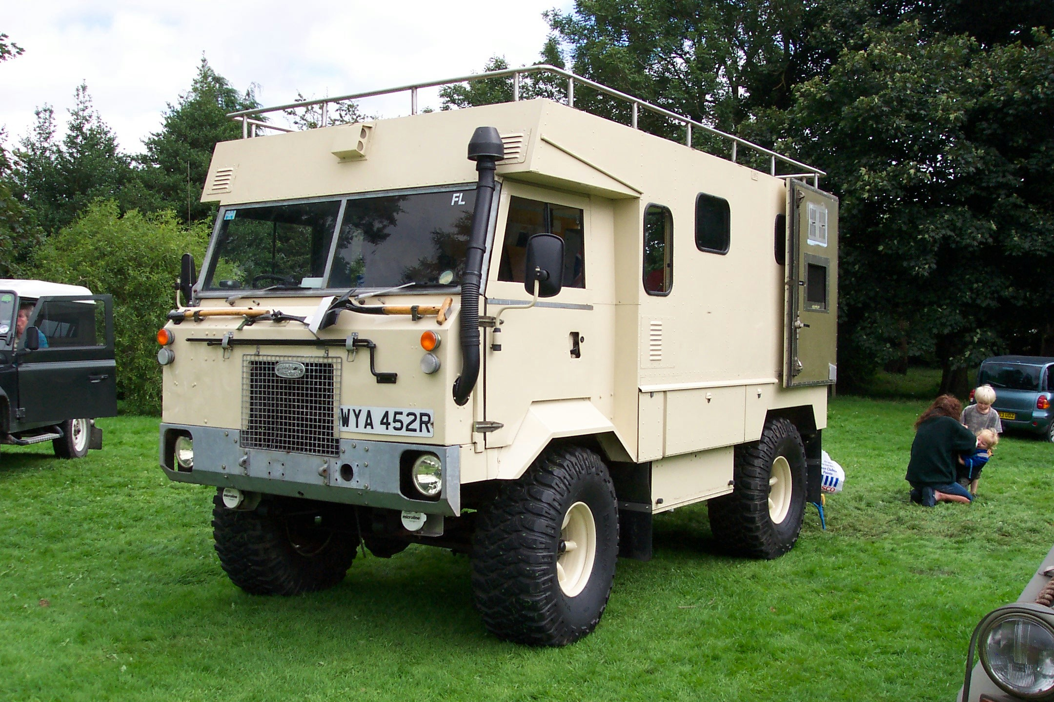 Land rover 101 photo - 1