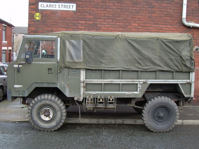 Land rover 101 photo - 2