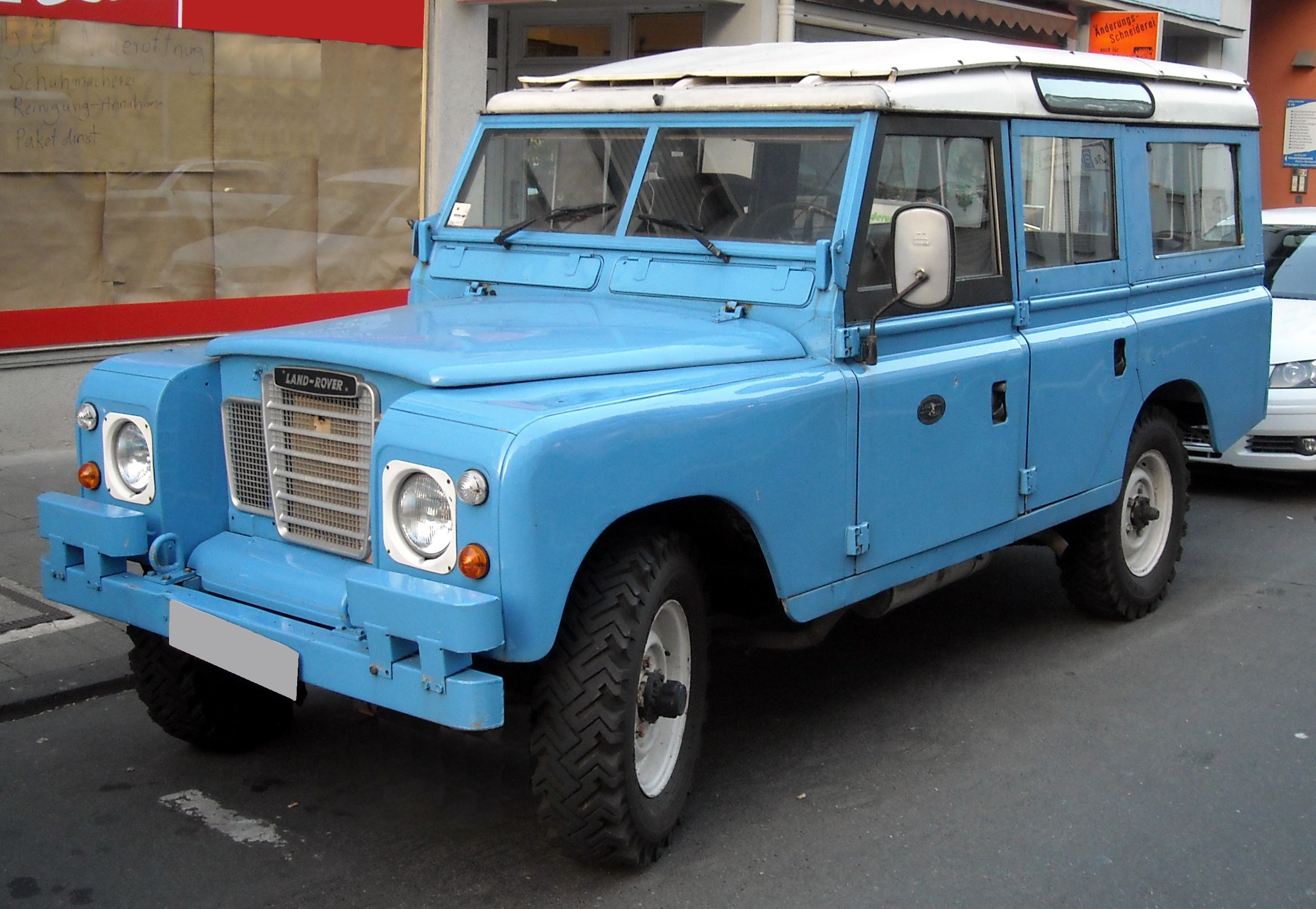 Land-rover 109 photo - 4