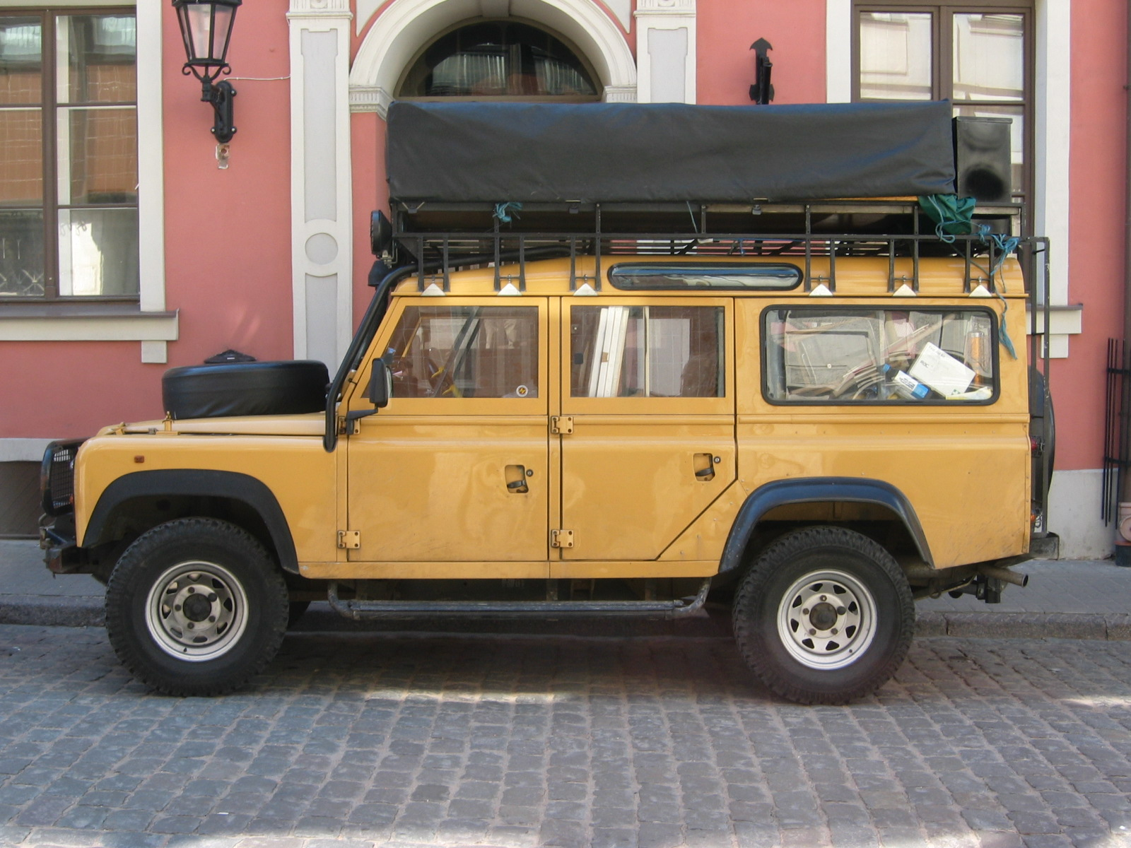 Land rover 110 photo - 1