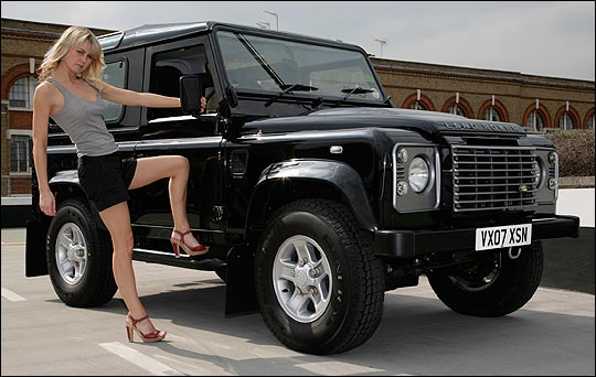 Land rover defender photo - 4