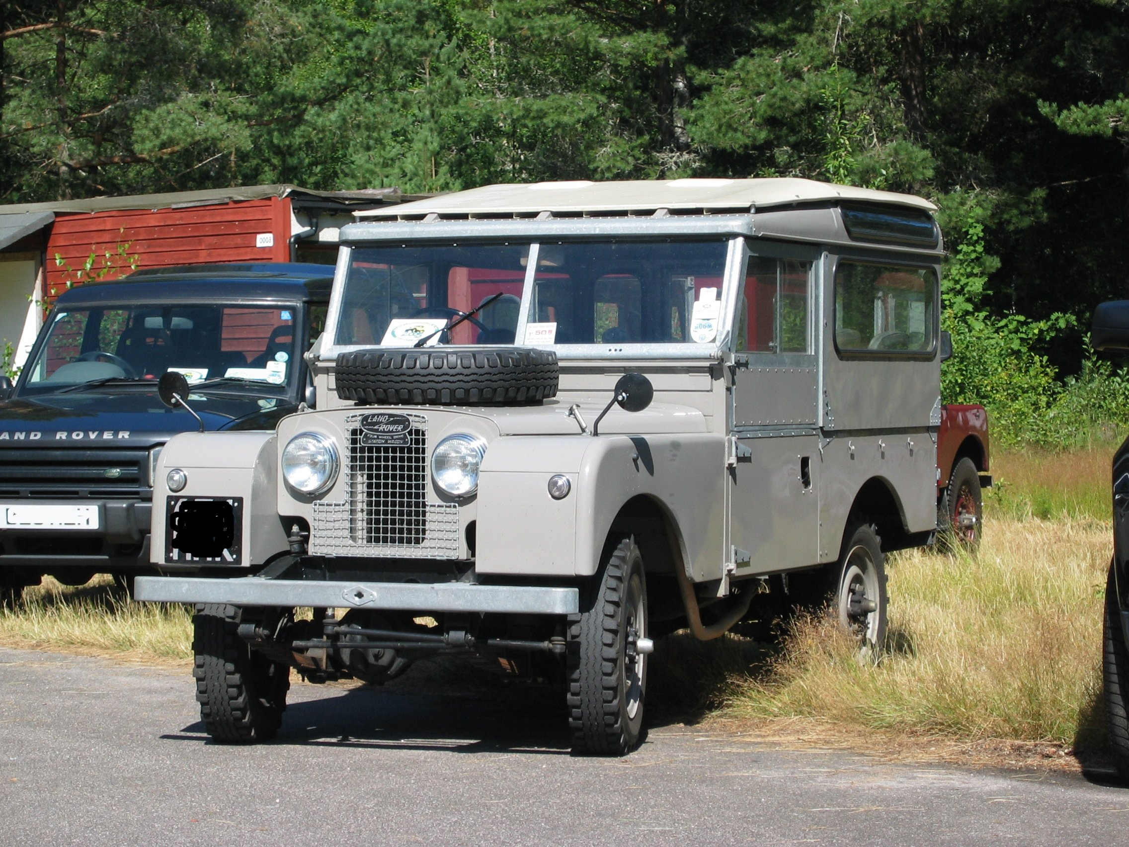 Land-rover one photo - 1