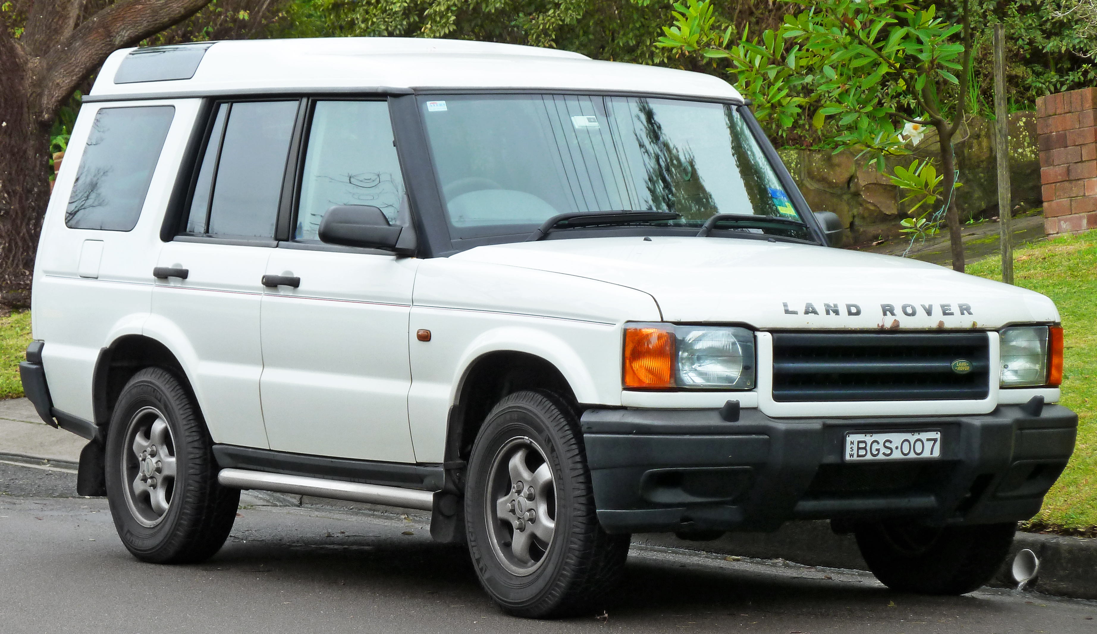 Land-rover one photo - 3