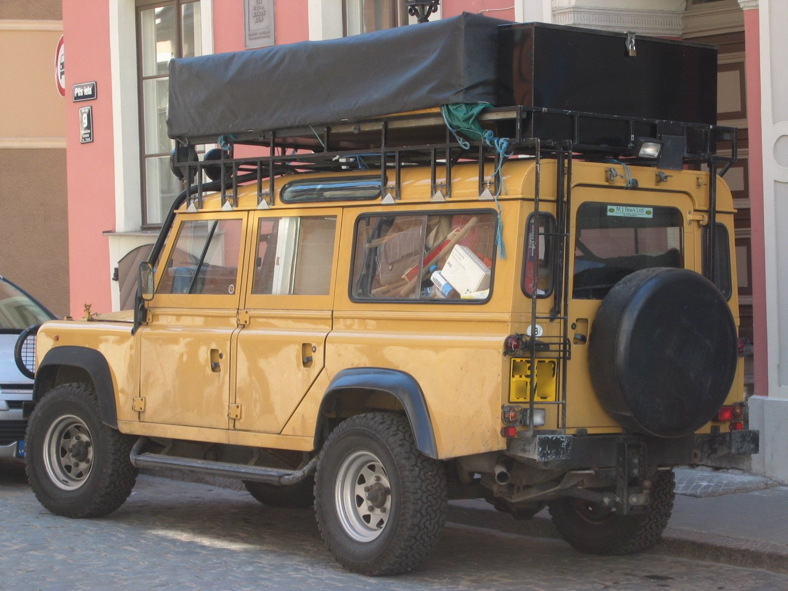 Land-rover one-ten photo - 4