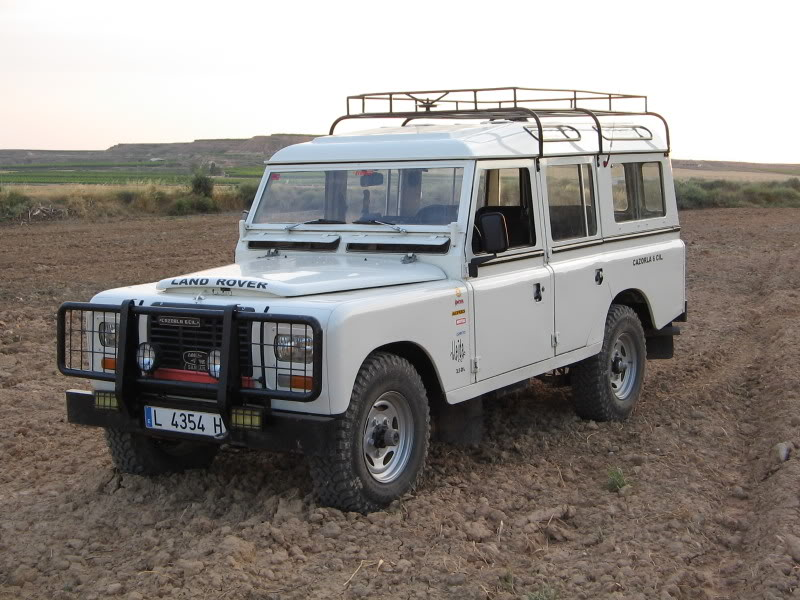 Land rover santana photo - 4