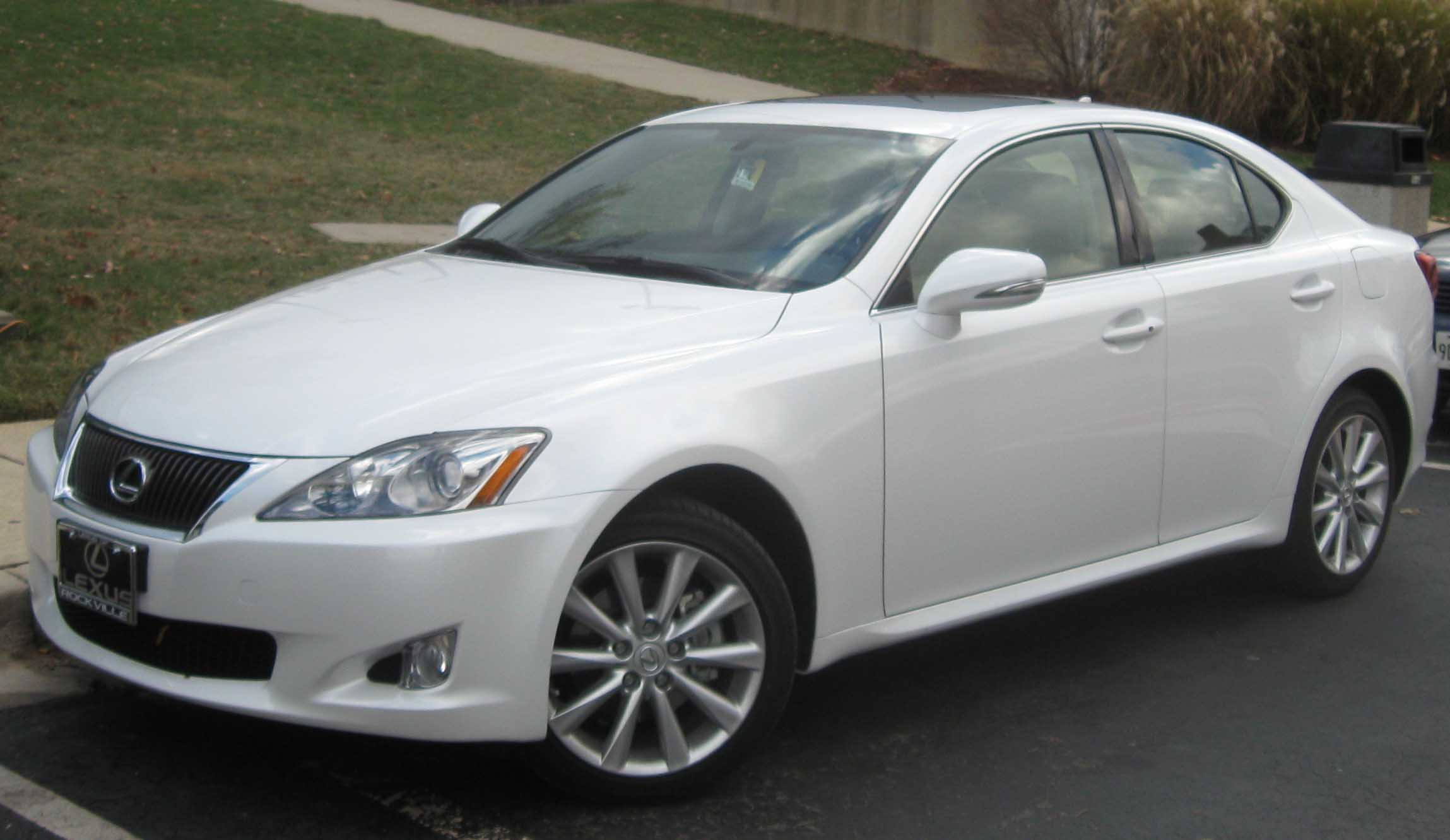 Lexus is250 photo - 1