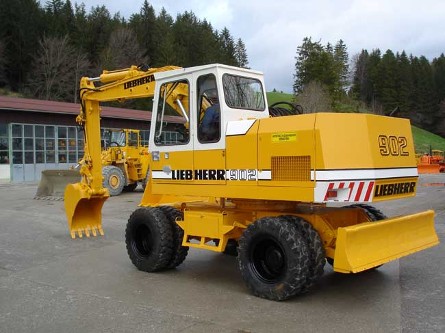 Liebherr 902 photo - 2