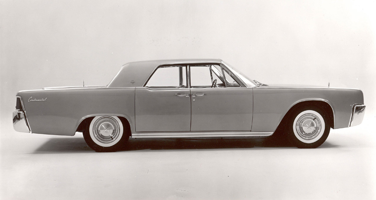 Lincoln continental photo - 2