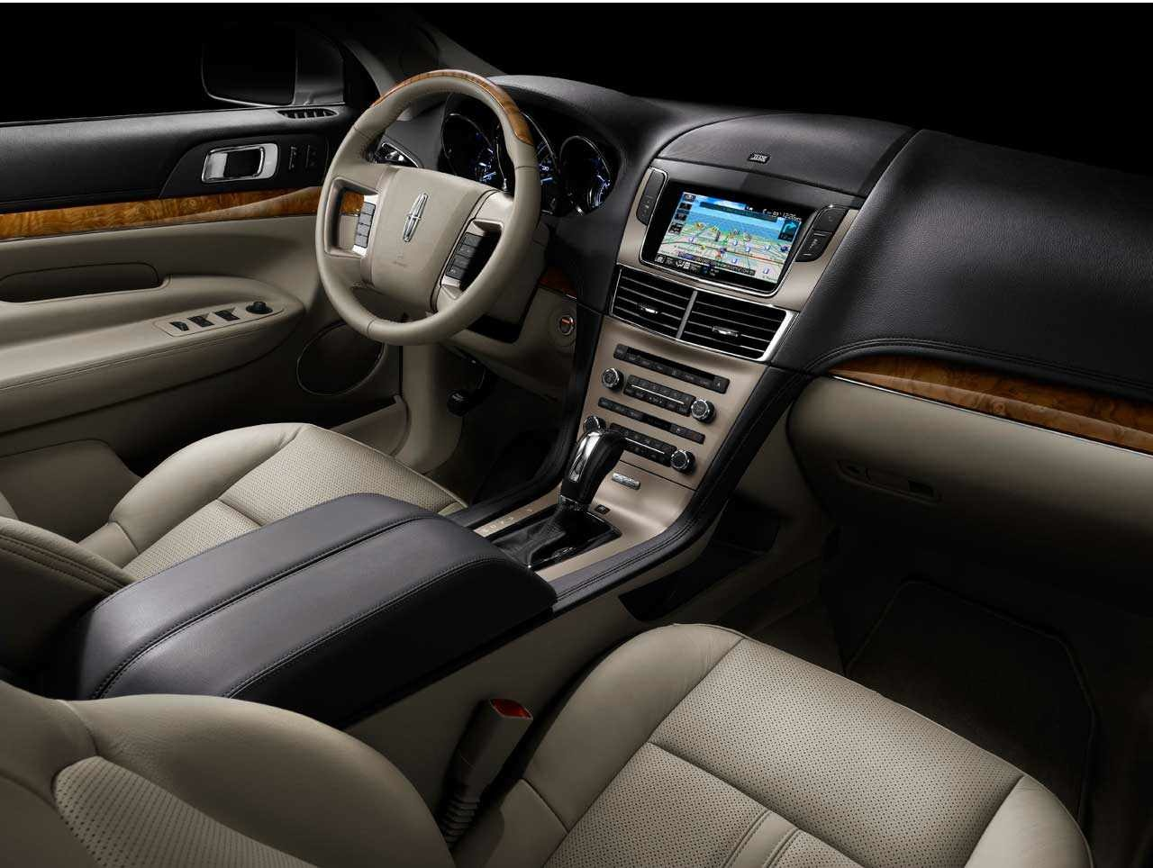 Lincoln mkt photo - 4