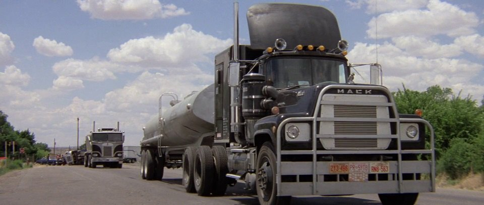 Mack cabover photo - 1