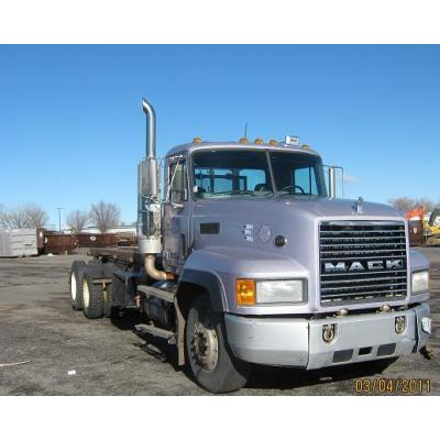 Mack cl700 photo - 2